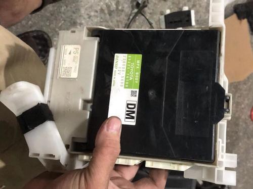 丰田雷克萨斯CT200H仪表接线合 方向机 轴承